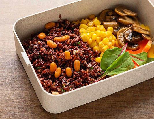 Thịt bò xay, ngô, cơm gạo lứt và các loại đậu