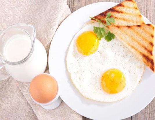 Trứng bánh mì sữa tươi
