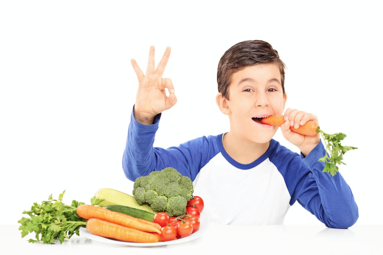 Làm sao để việc cho trẻ ăn rau không còn là cuộc chiến